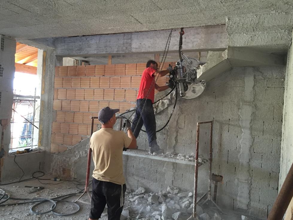 Frantumazione rampe di scale in c a - Scale in cemento armato ...